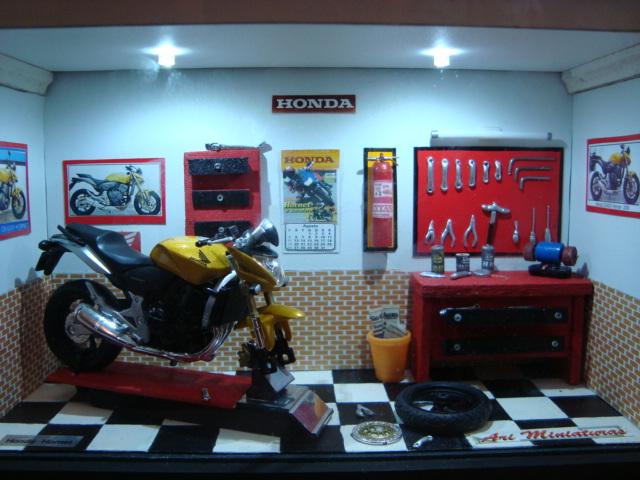 Diorama oficina de moto 1 aguarde repos